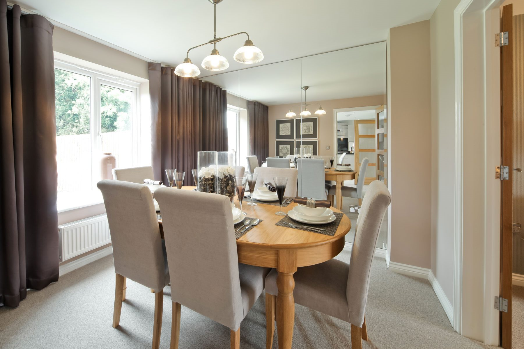 010_OM_Eynsham_Dining_Room