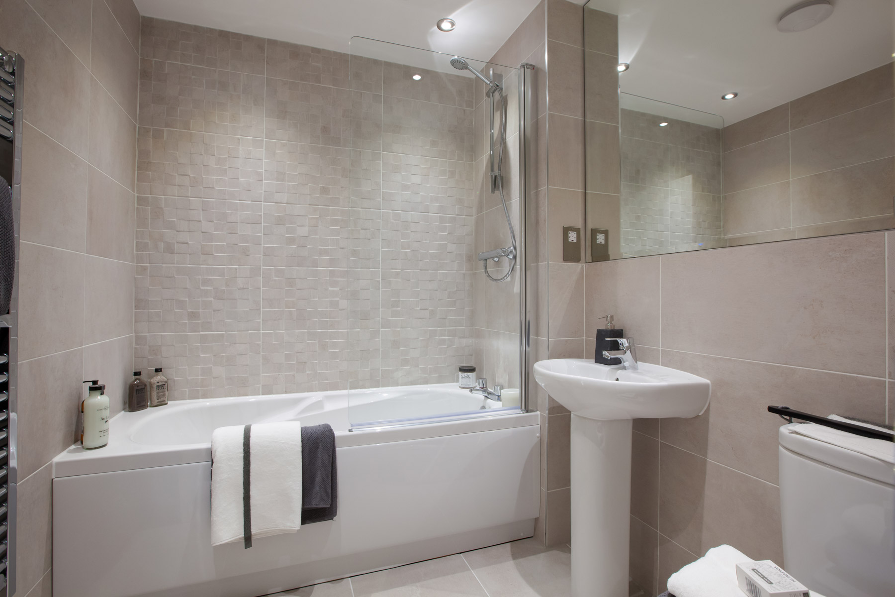 004_WV_AltonG_Bathroom