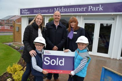 USE - Statham Family - Midsummer Park - Taylor Wimpey Midlands