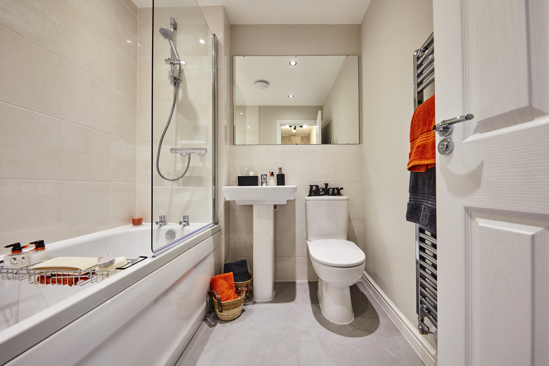 TW Mids Cherry Blossom_Hednesford_PA21_Appleford_Bathroom