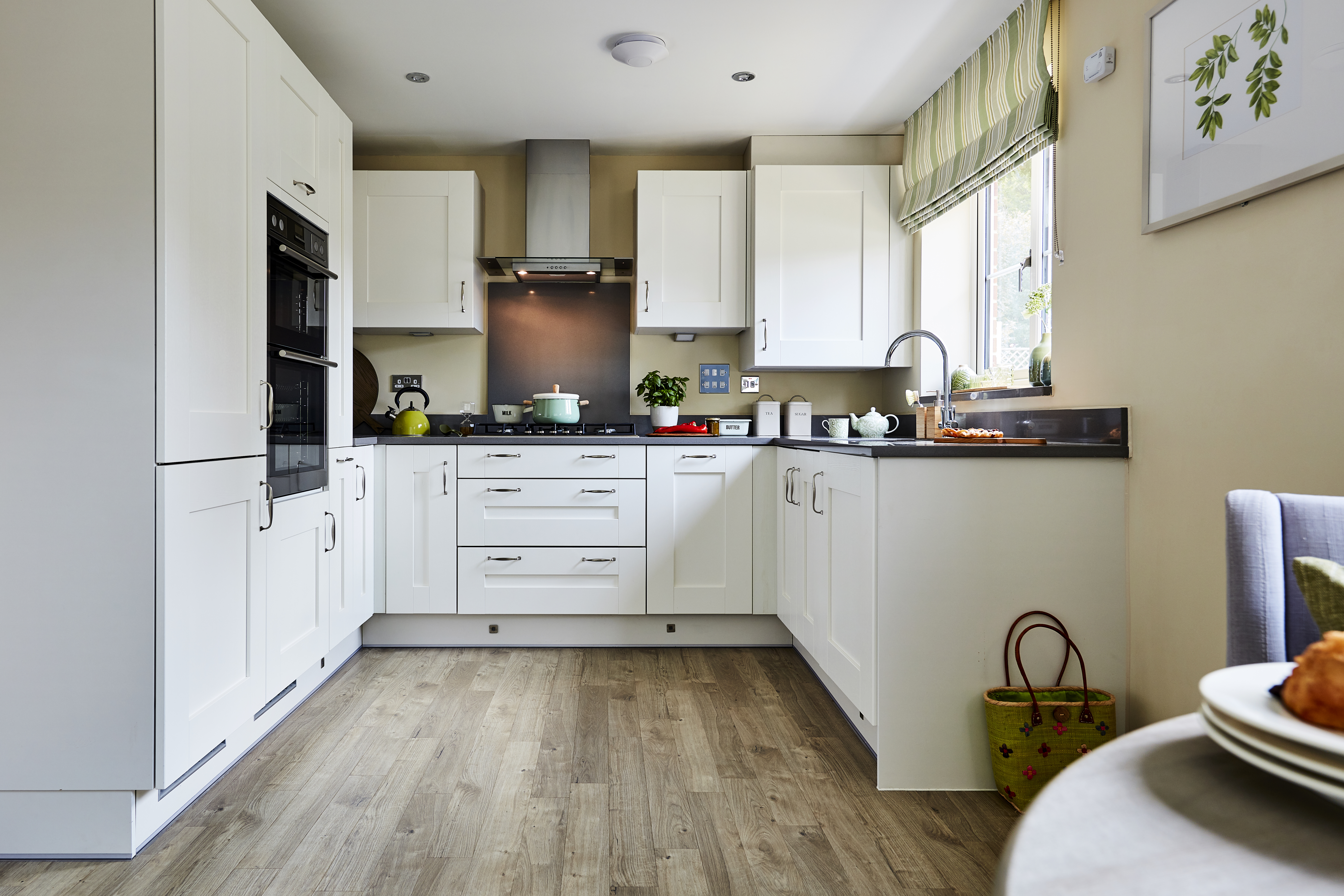 TW SC Oak Park_Liphook_PT36_Easedale_Kitchen (1)