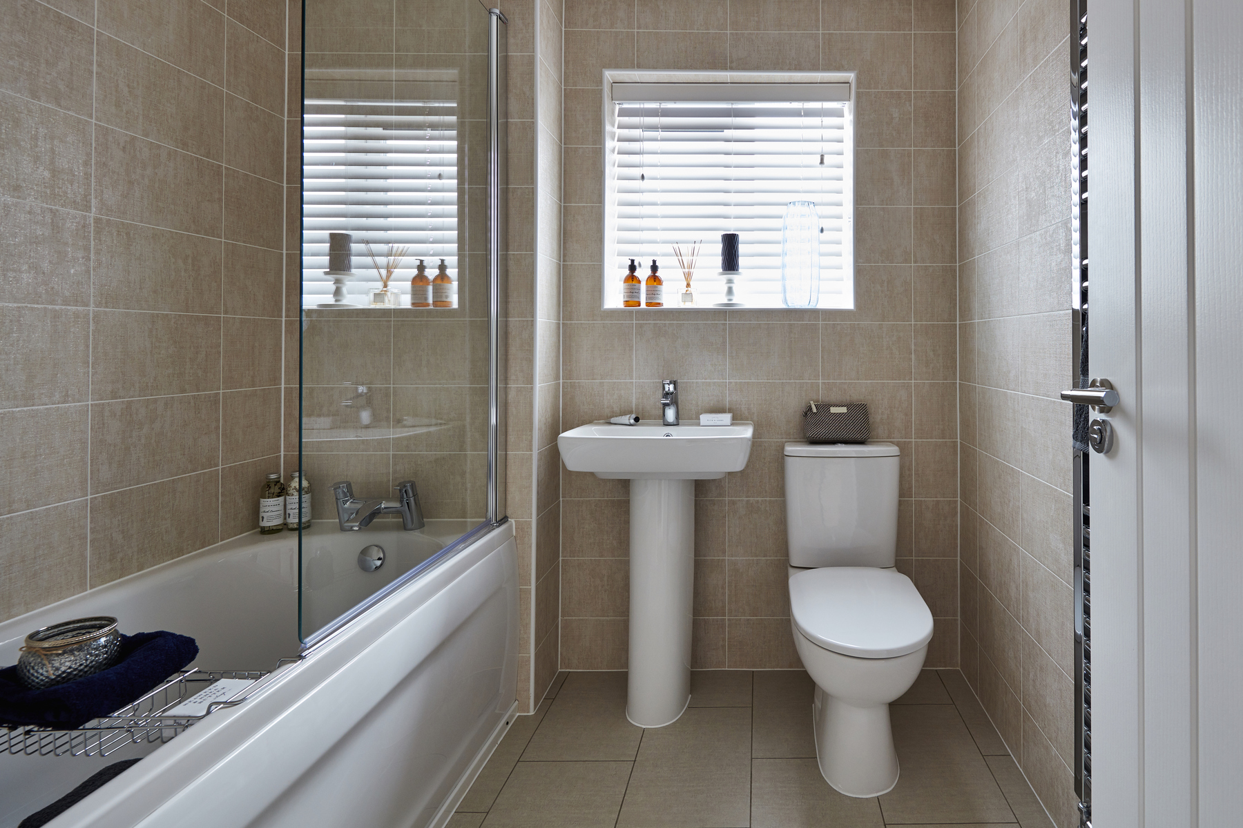 TWMids_Langton Green_Stone_Heydon_Bathroom