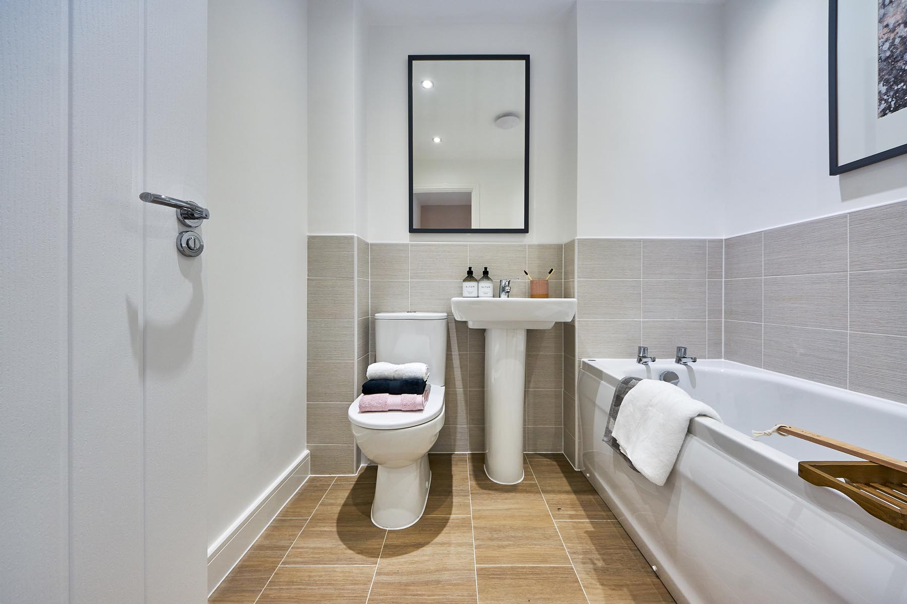 Woodland Edge - Canford - Family bathroom
