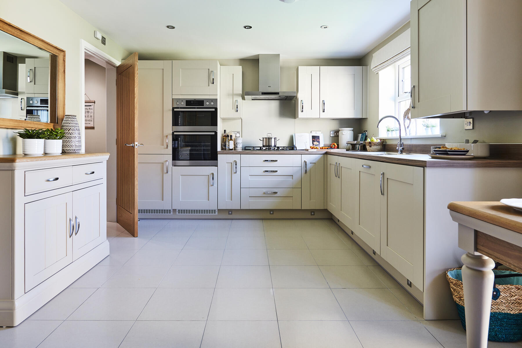 TW Man_Half Penny Meadows_Clitheroe_PA42_Lydford_Kitchen_1800x1200