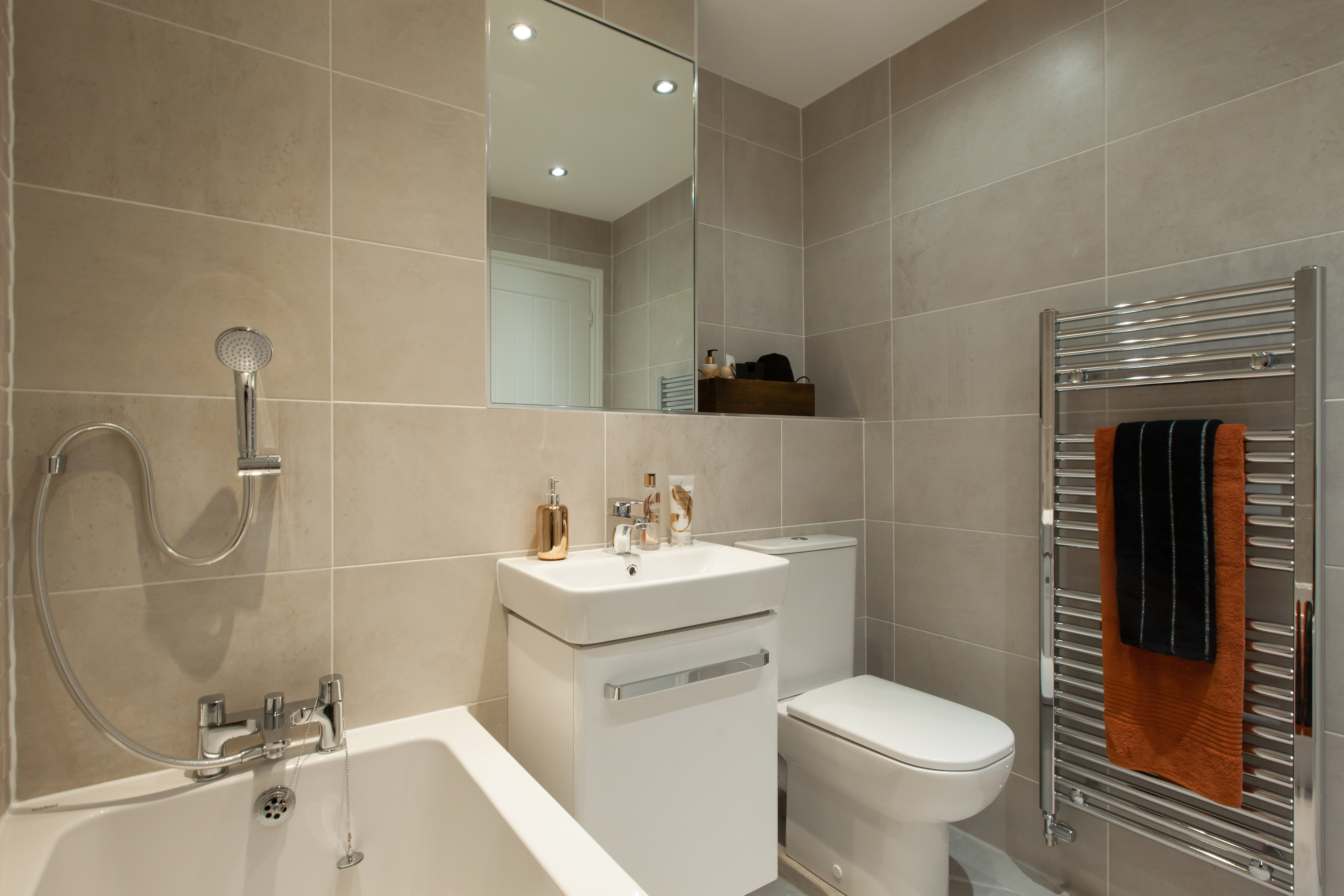 TW YO_Colliers Court_PA44_Midford_Bathroom 2