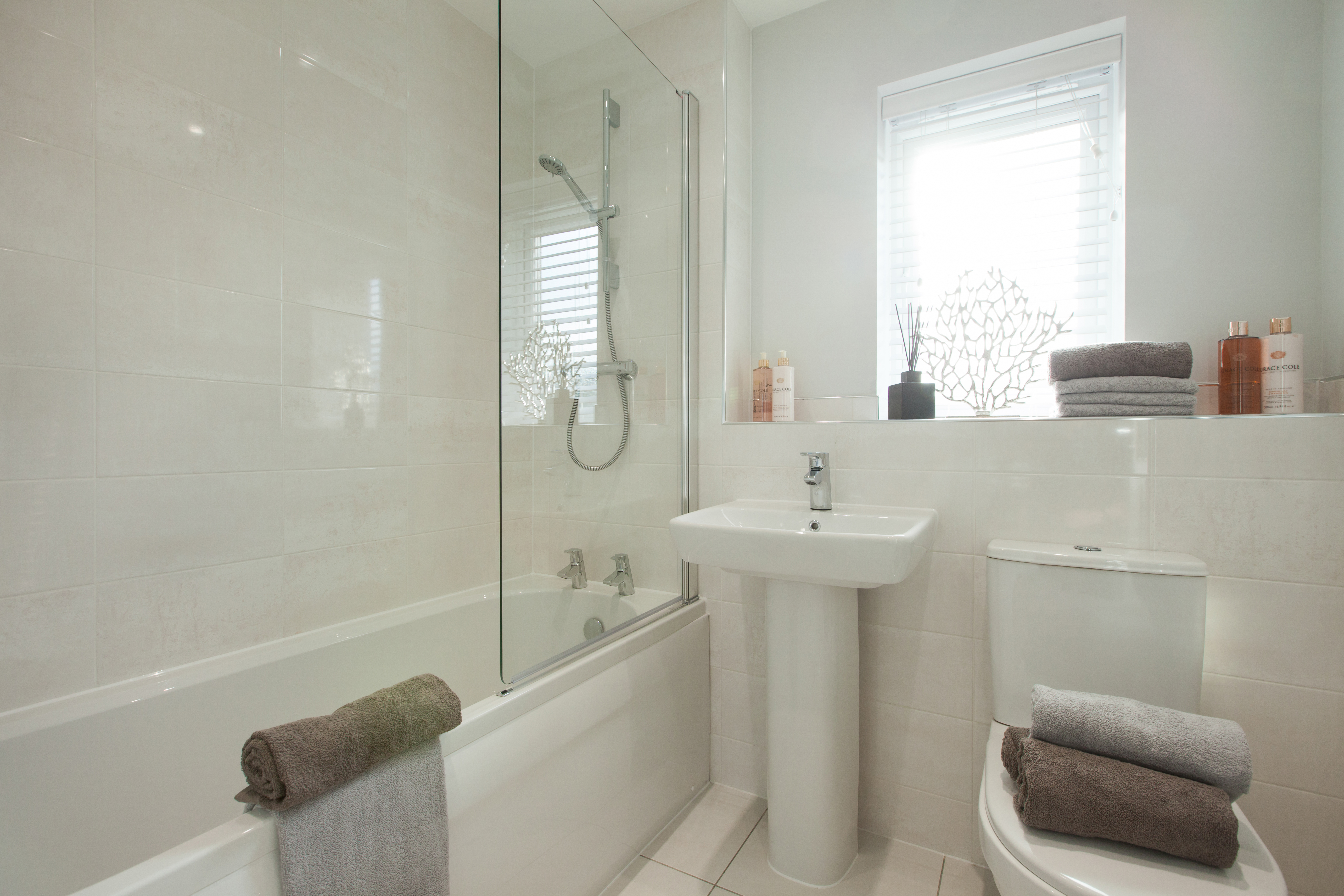 TW NM_Isobel Gardens_PA48_Shelford_Bathroom 1