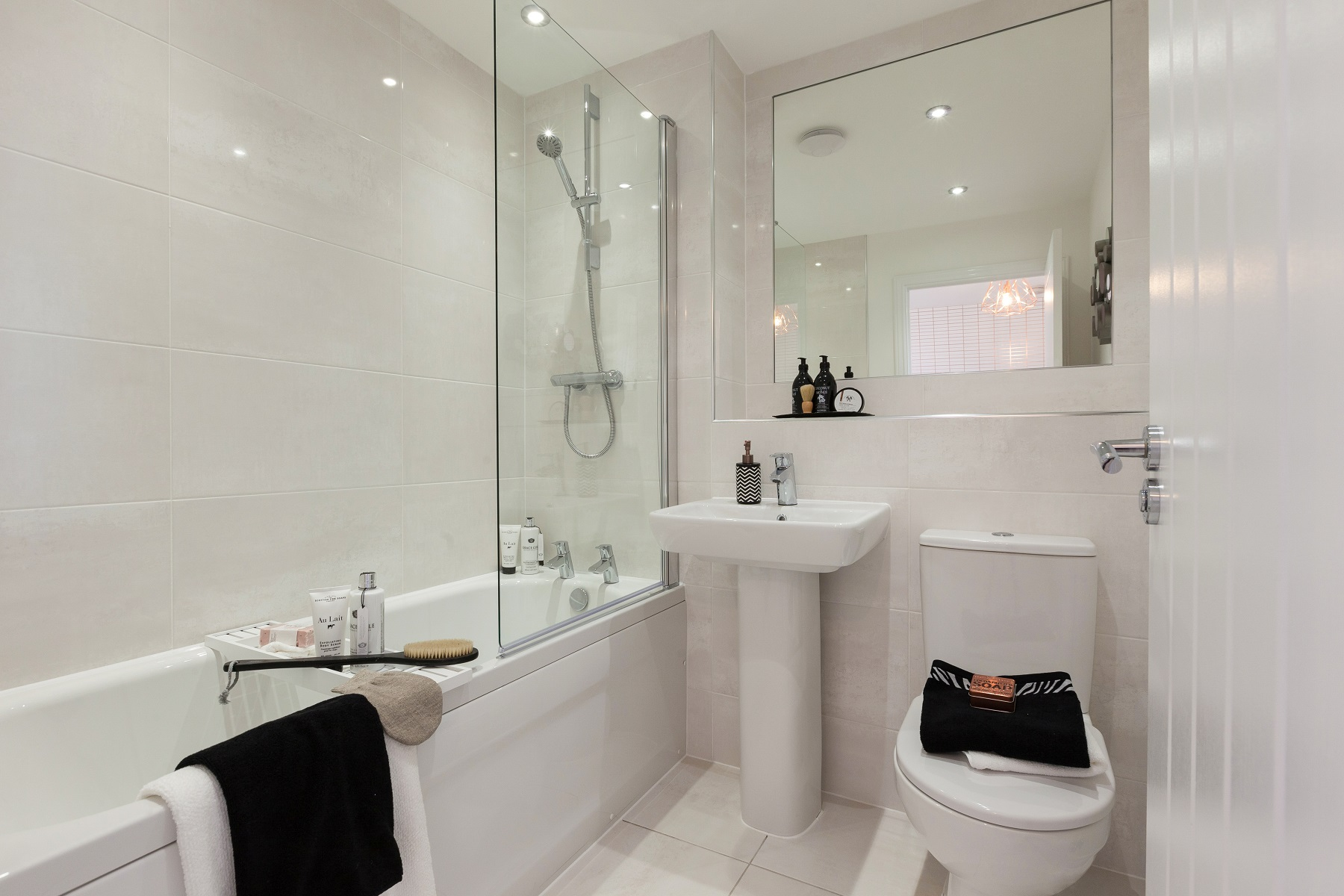 TW NM_Pastures New_monkford_Bathroom
