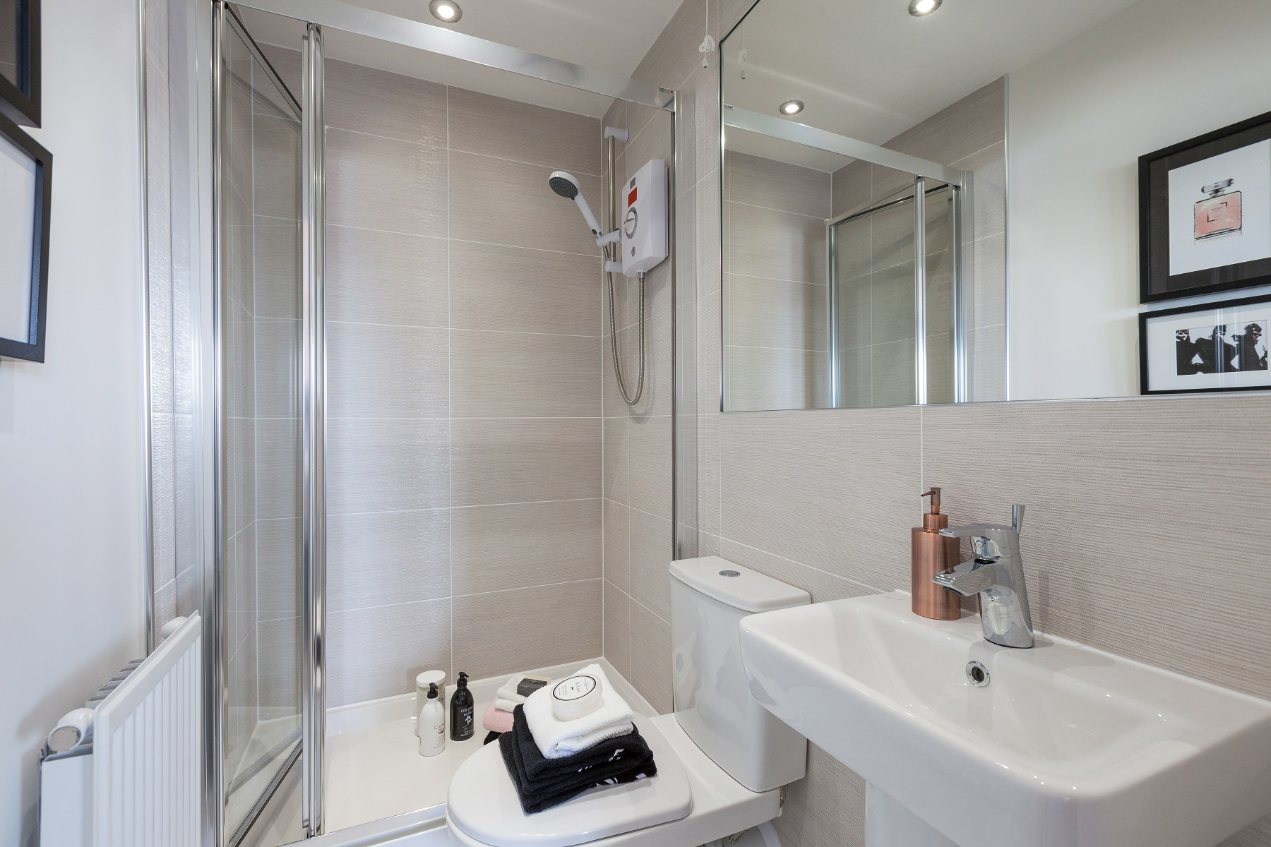 TW NM_Pastures New_monkford_En-suite