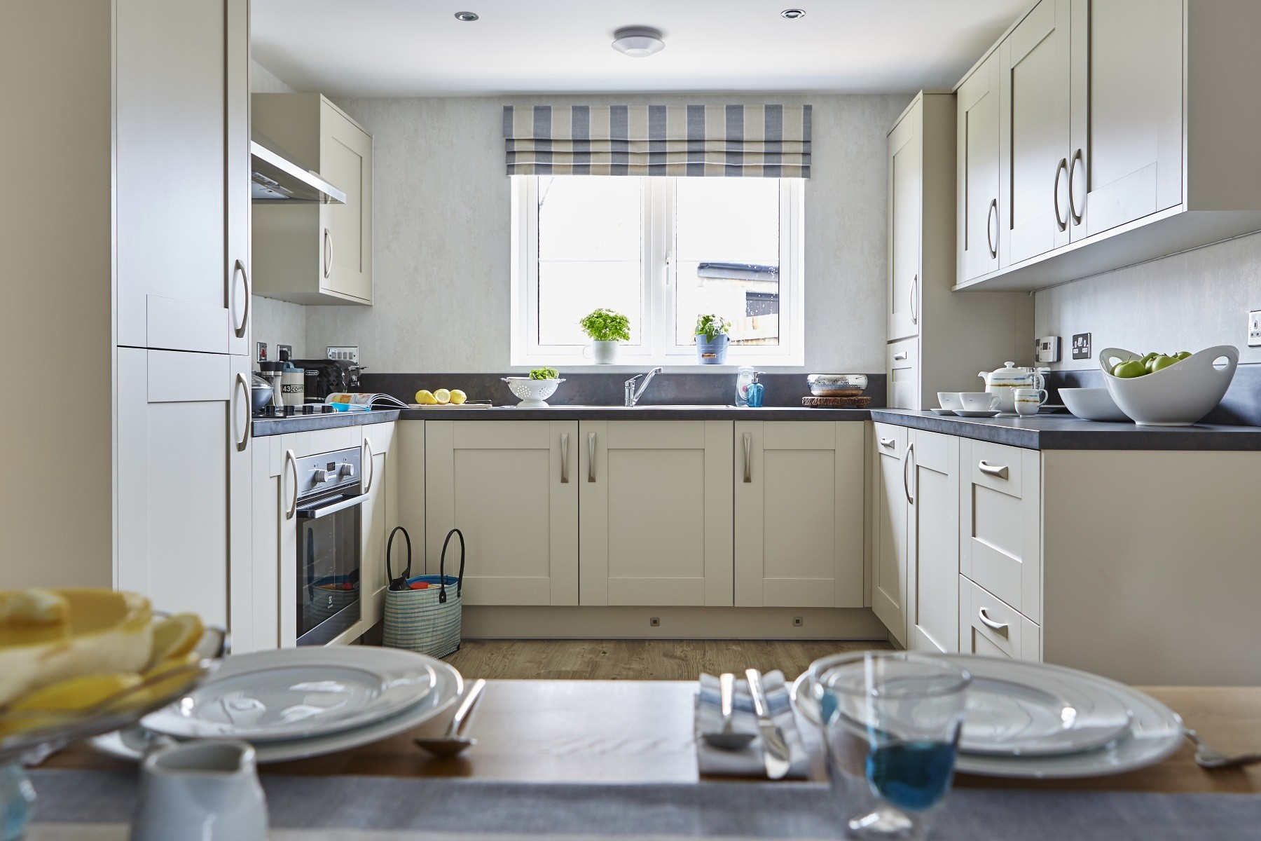 Taylor Wimpey Exeter - Cranbrook - Yewdale example kitchen 2