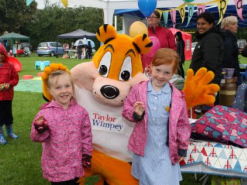 NT Tiger at Stotfold festival fete web