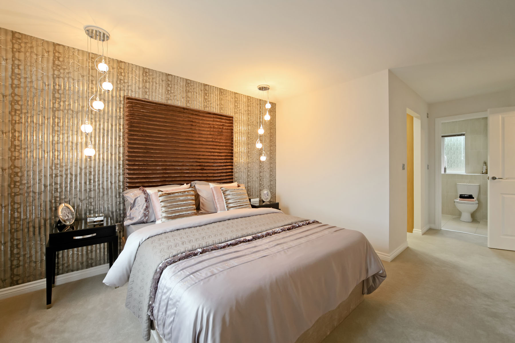 Wilton master bedroom with en suite