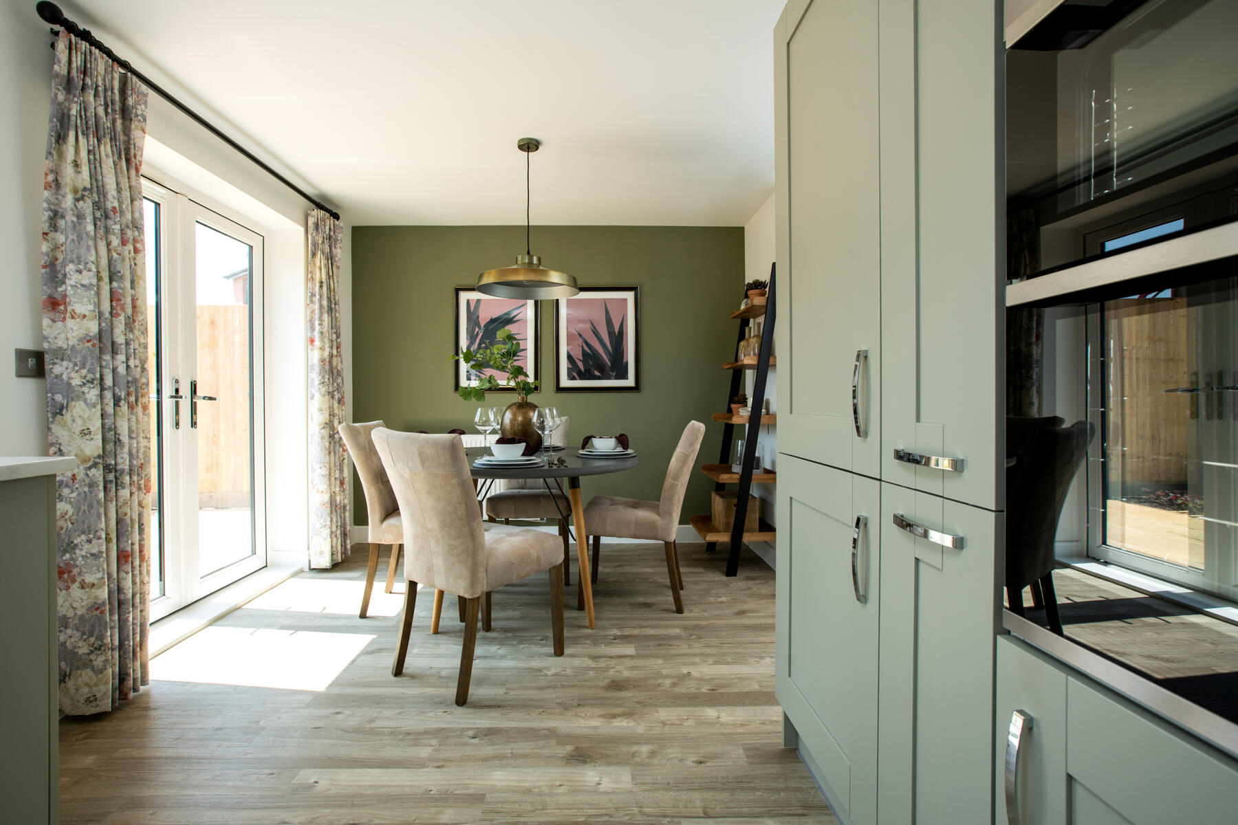 TW SC_Burridge Green_Byford_Kitchen_1800x1200
