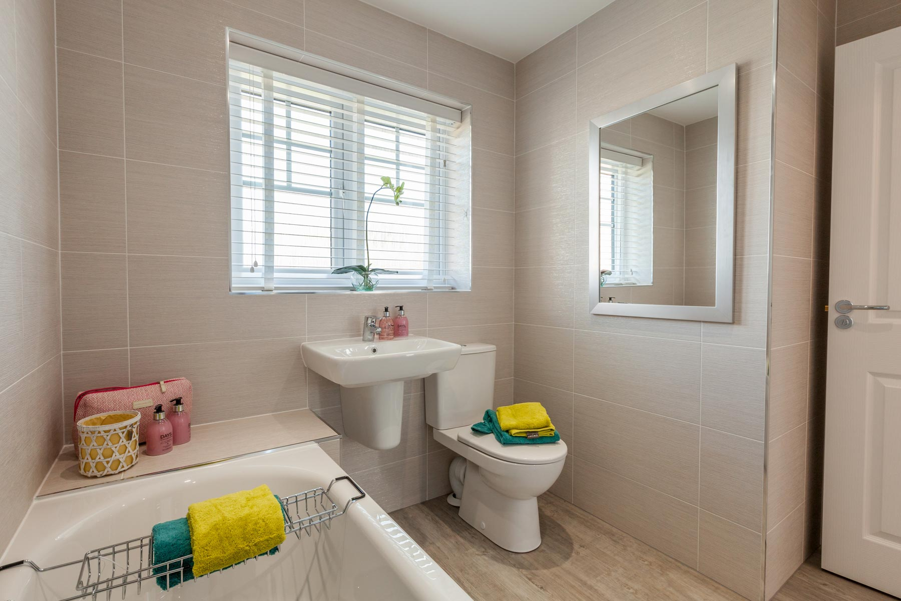TW NY_Elderwood Park_PD32_Aldenham_Bathroom