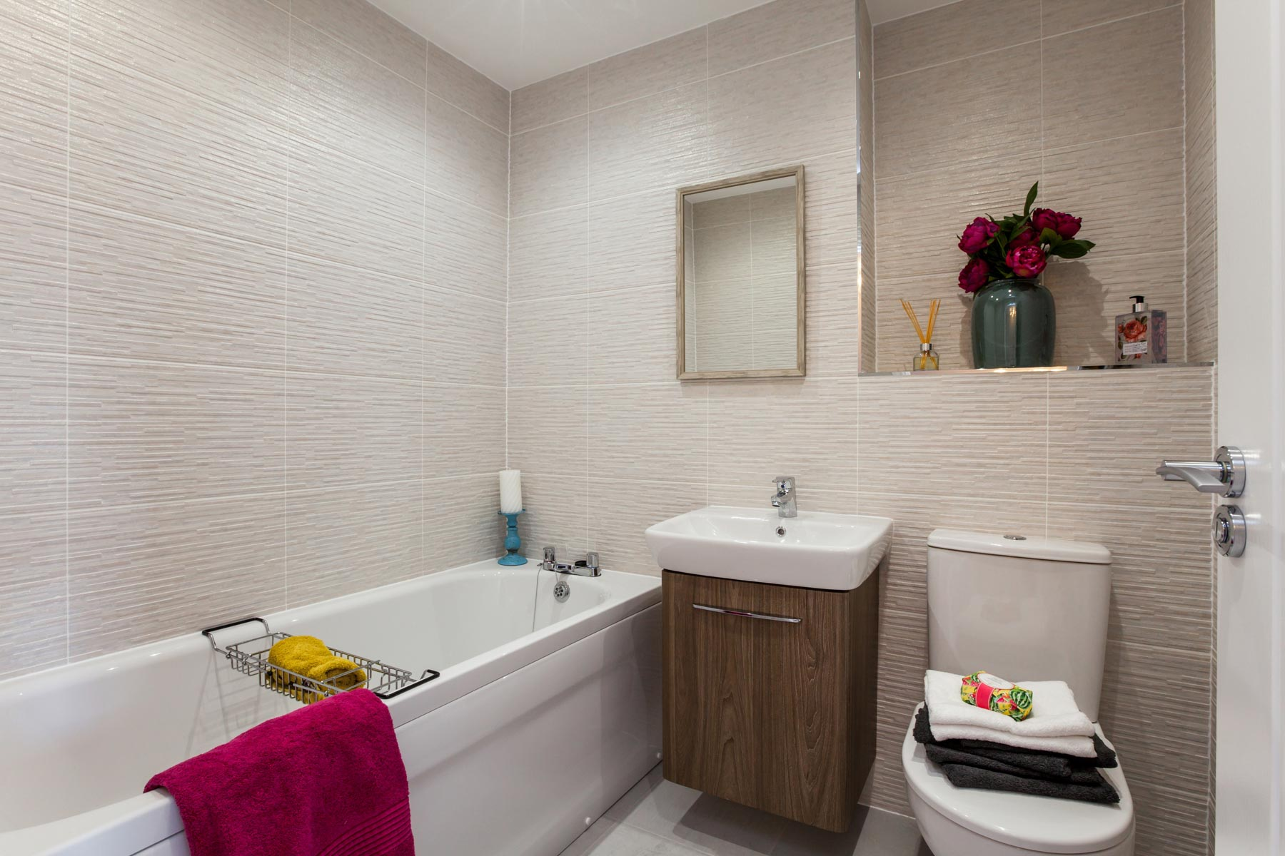 TW NY_Larkfields_PA44_Milford_Bathroom 1