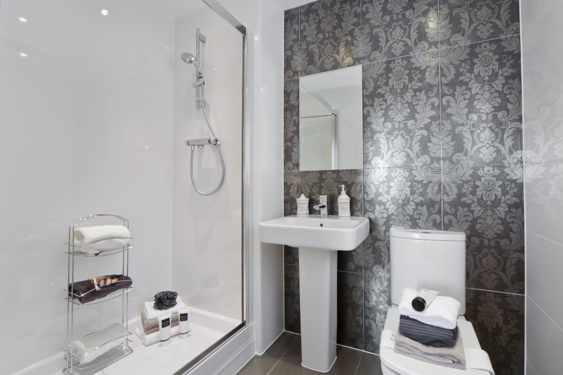 Chelford Showhome - Ensuite to Master Bedroom