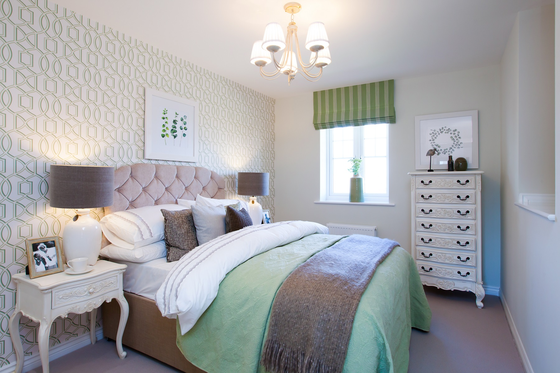 Double room grey green