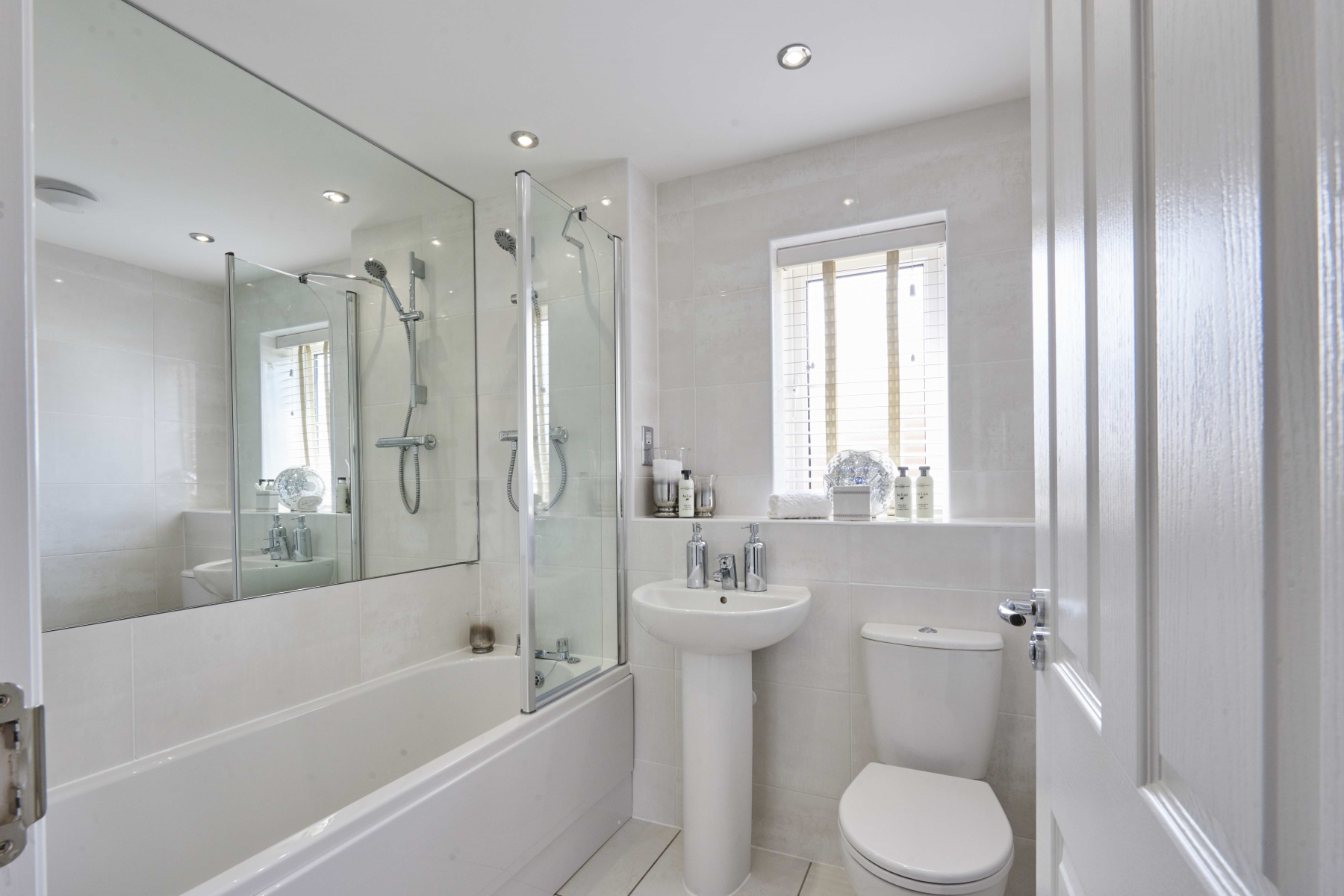 Shelford - Bourne View - Main Bathroom