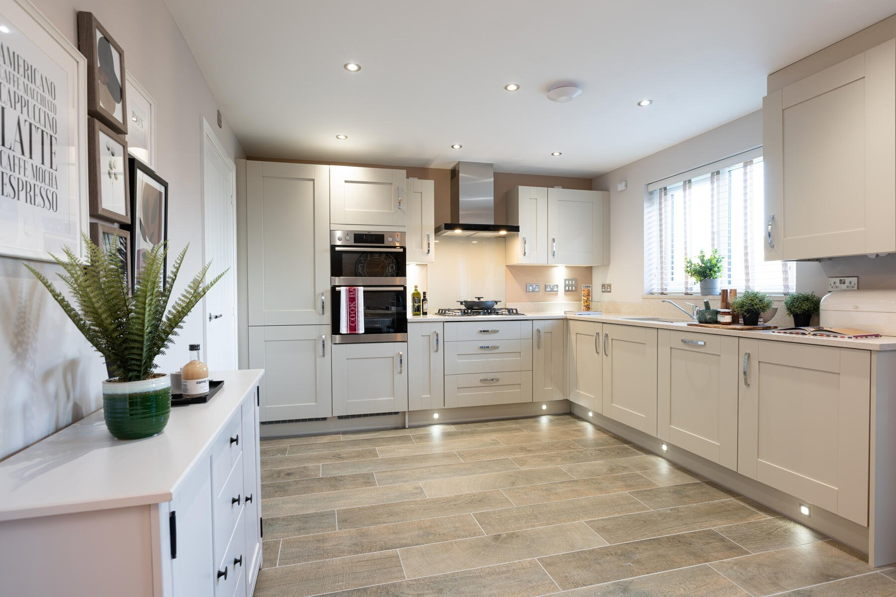 TW EX_Mountbatten Mews_PA44_Midford_Kitchen 1_1800x1200