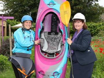 NEWS - TWSE - Susies kayaking
