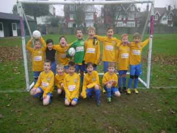 Taylor Wimpey sponsorship Eastbourne Town Under 8s
