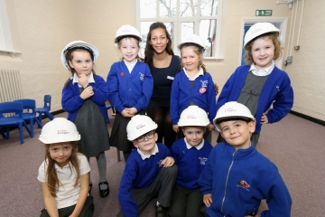 WEB - Taylor Wimpey - donation to Crookham CE Infant School