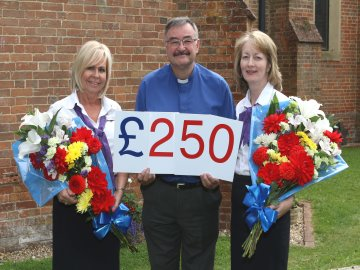 WEB Taylor Wimpey donation to Christ Church Crookham