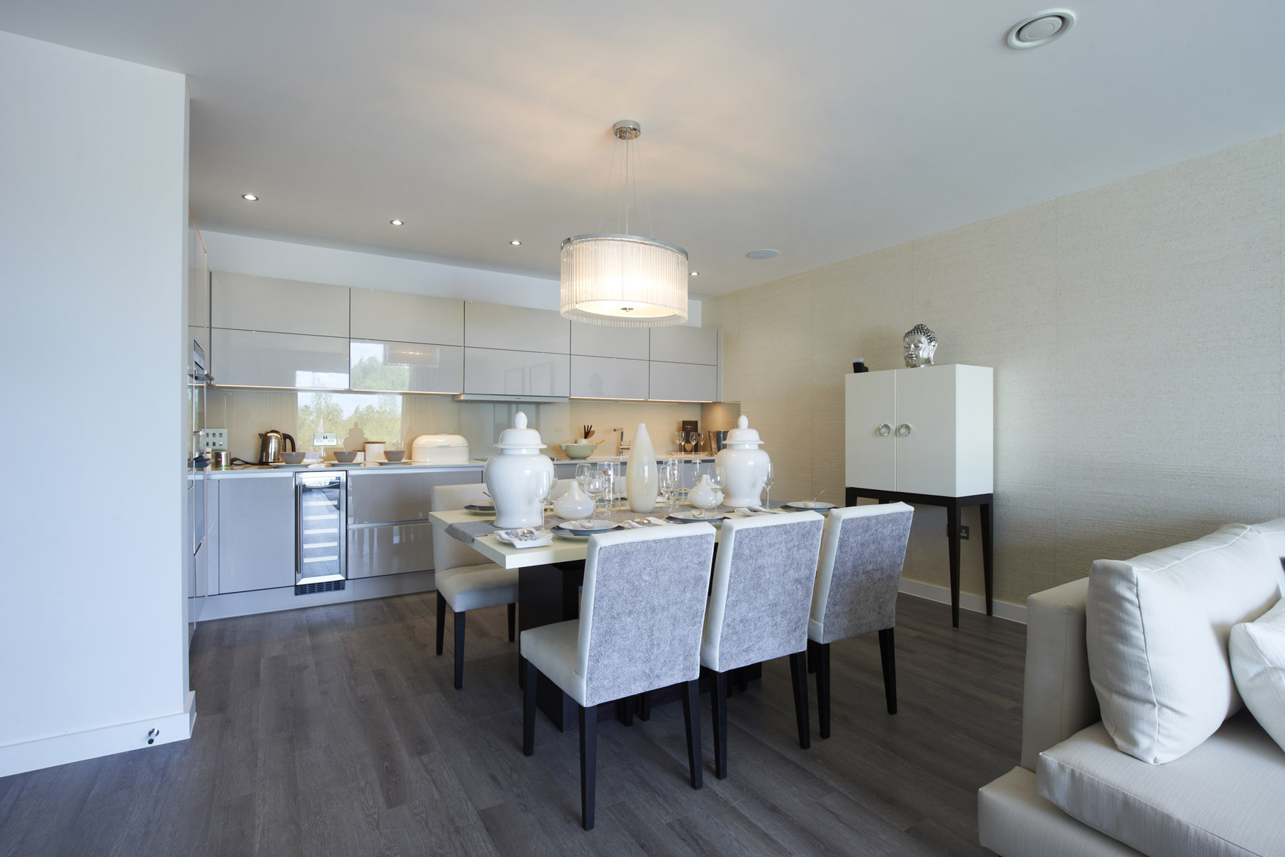 3 Bed Apt Kitchen Dining