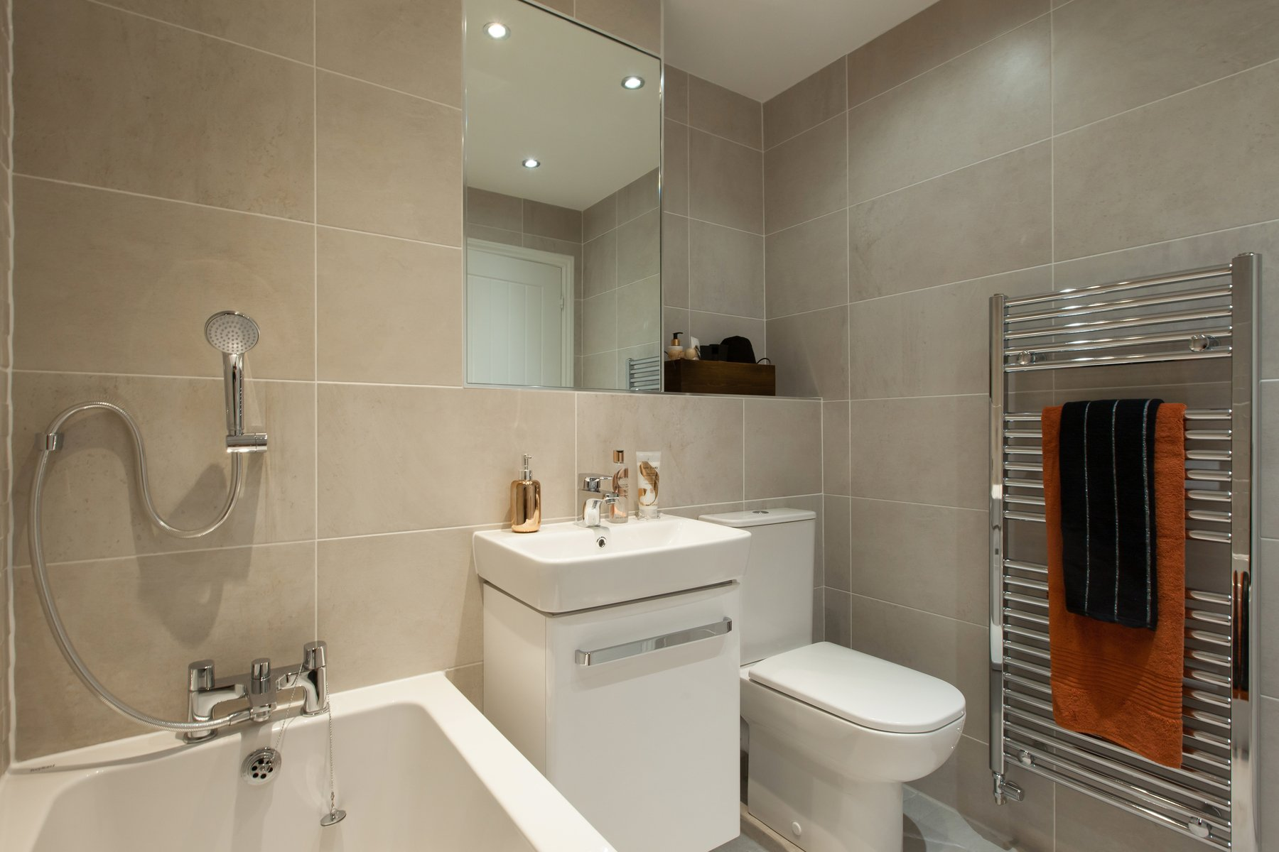 Midford - Colliers Court - Master Bathroom