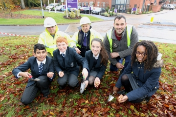WEB Taylor Wimpey West London - Pine Trees bulb planting 1