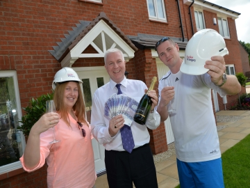 3 Taylor Wimpey  Clover Park  Holiday Competition Winners WEB