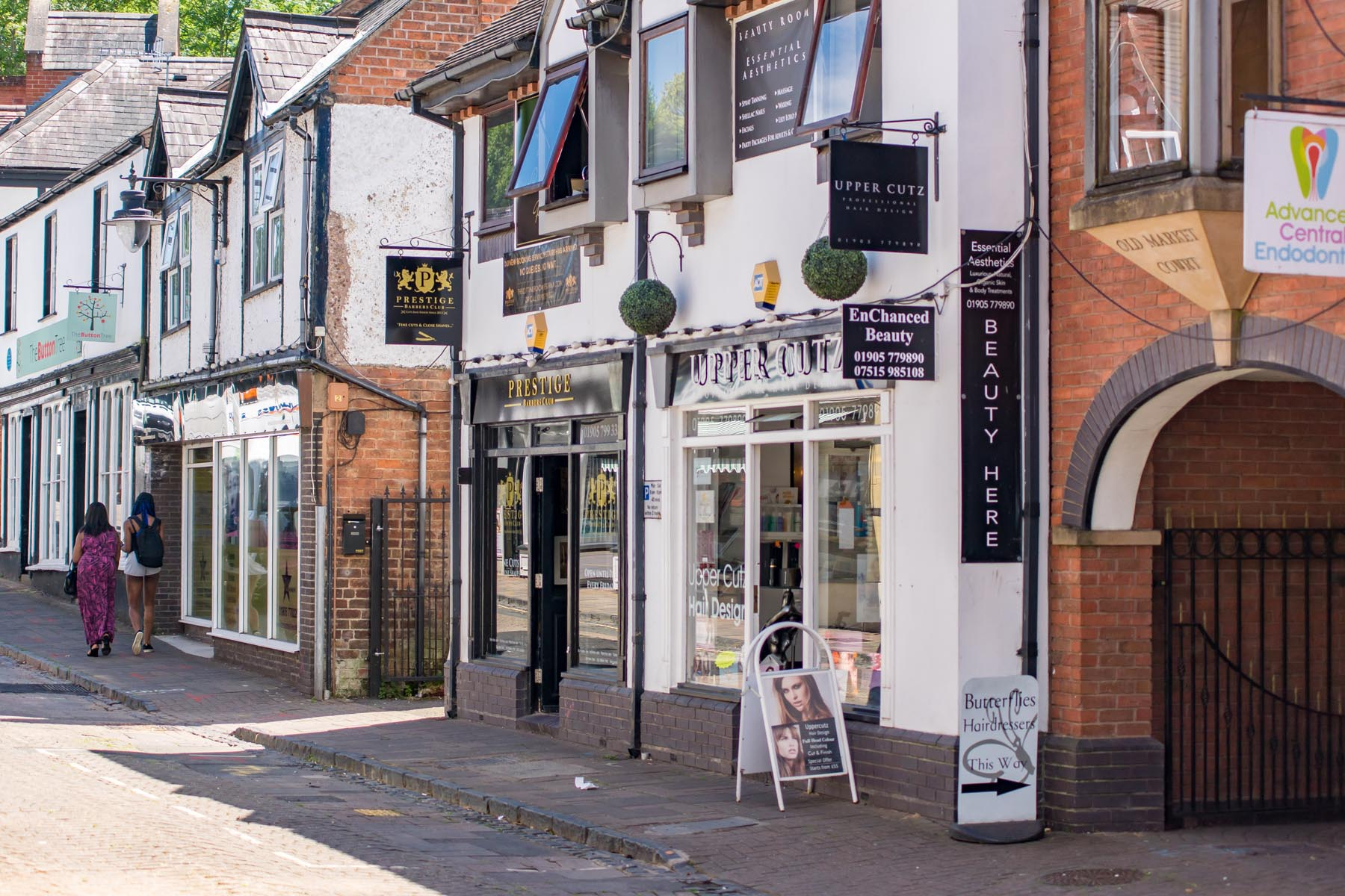 Shops - Mapple-Coppice-locationshots-39