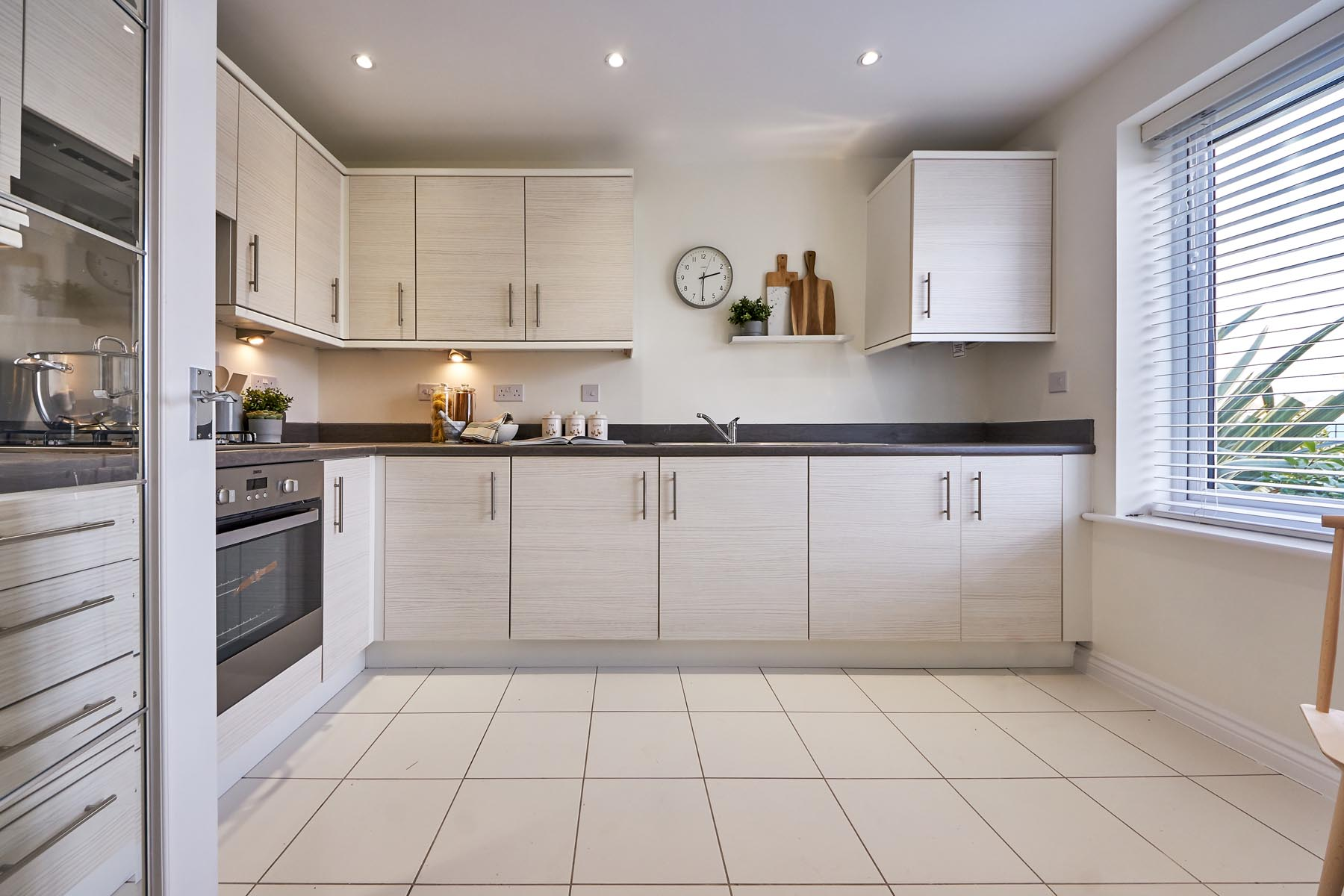 Fallows Heath Flatord kitchen -photography-Nov19-03