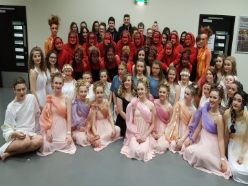 Y - Mexborough Academy students dance for their lives with Wimpeys support (2)
