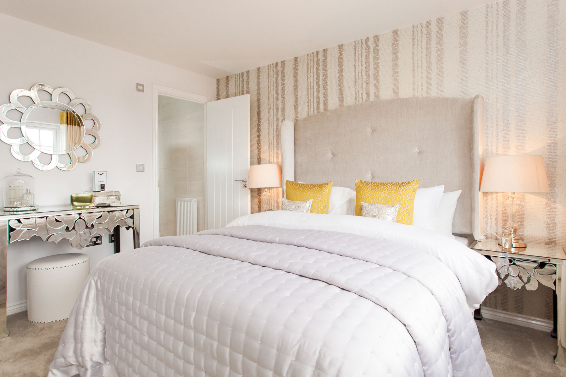 TW Yorkshire_The_Wickets_PA44_Midford_Bedroom_1_2