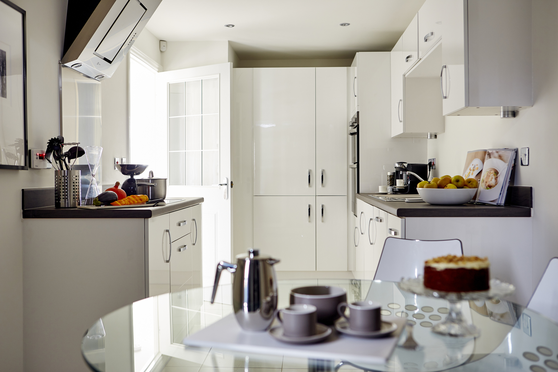 tw_nmids_sutton_grange_pd48_bradenham_kitchen