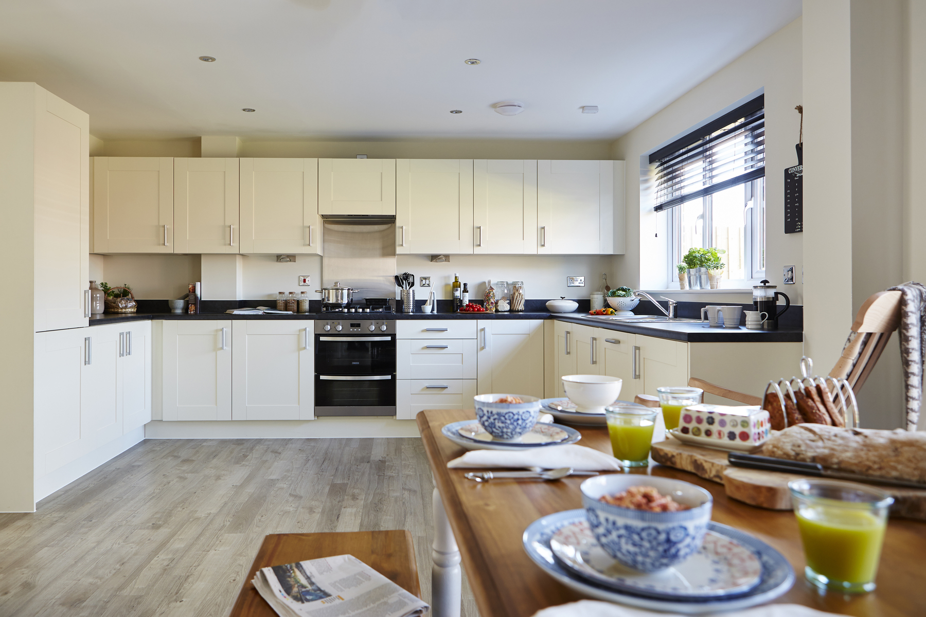 tw_nmids_millers_reach_stone_pd411_haddenham_kitchen_dining