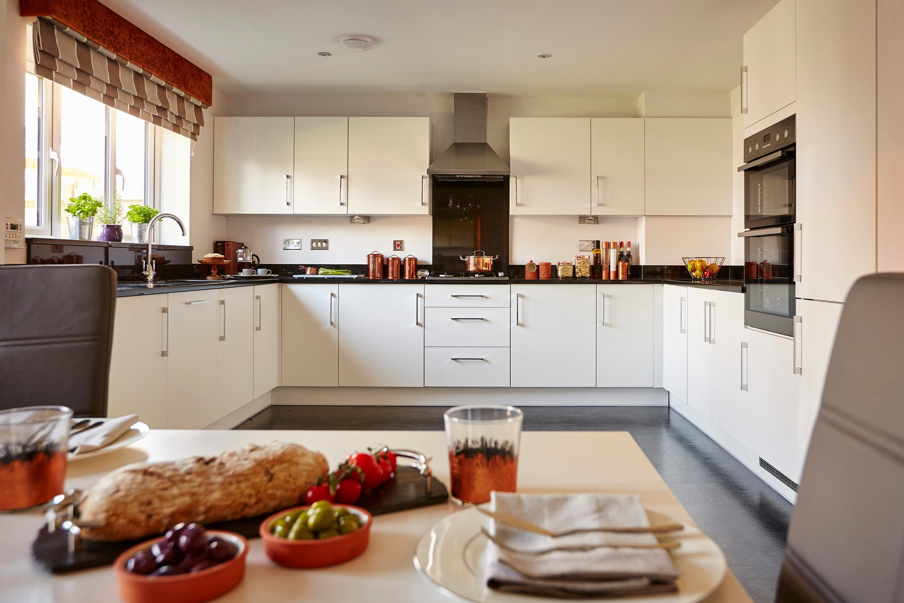 tw_wmids_bowbrook_hartlebury_pd411_haddenham_kitchen