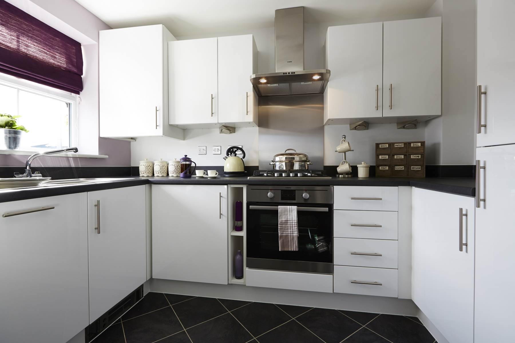 TW Mids_Jubilee Gardens_PA25_Canford_Kitchen
