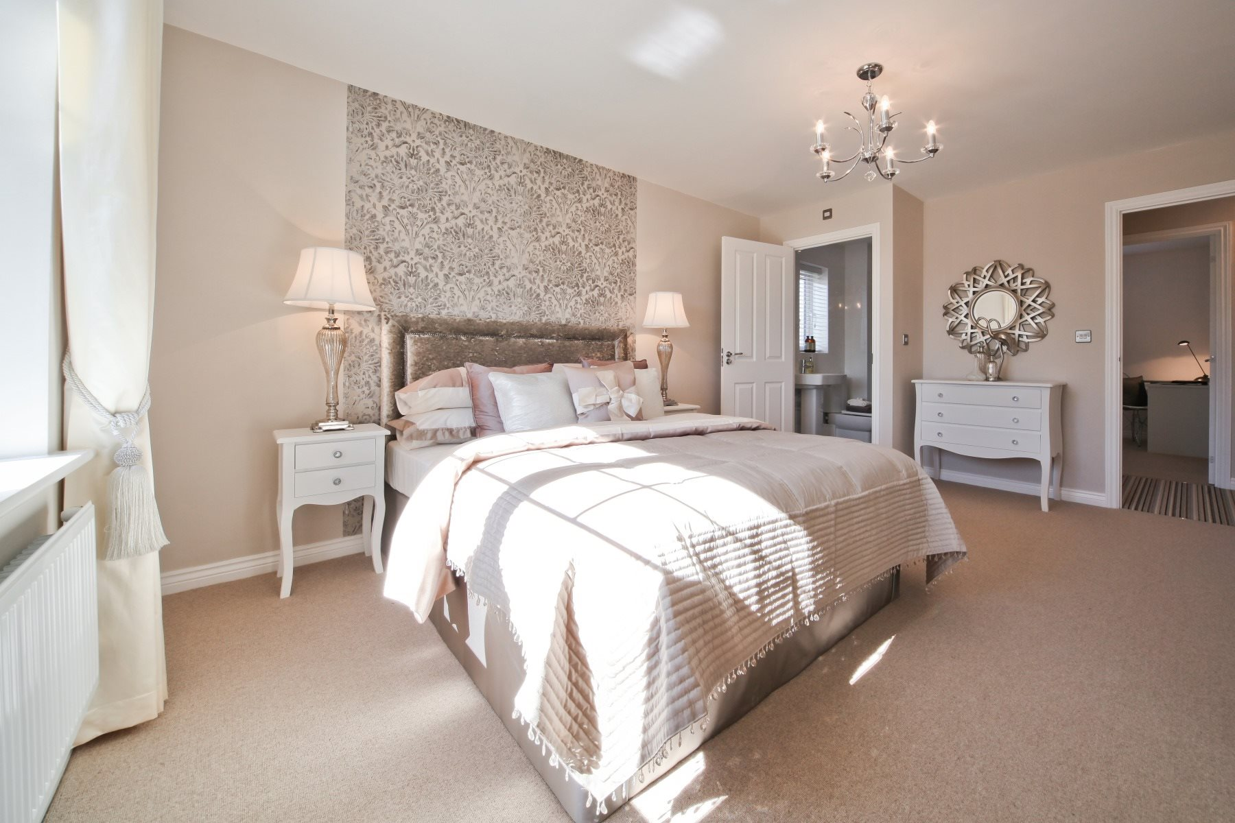 Evesham Master Bedroom - Nightingale Gardens