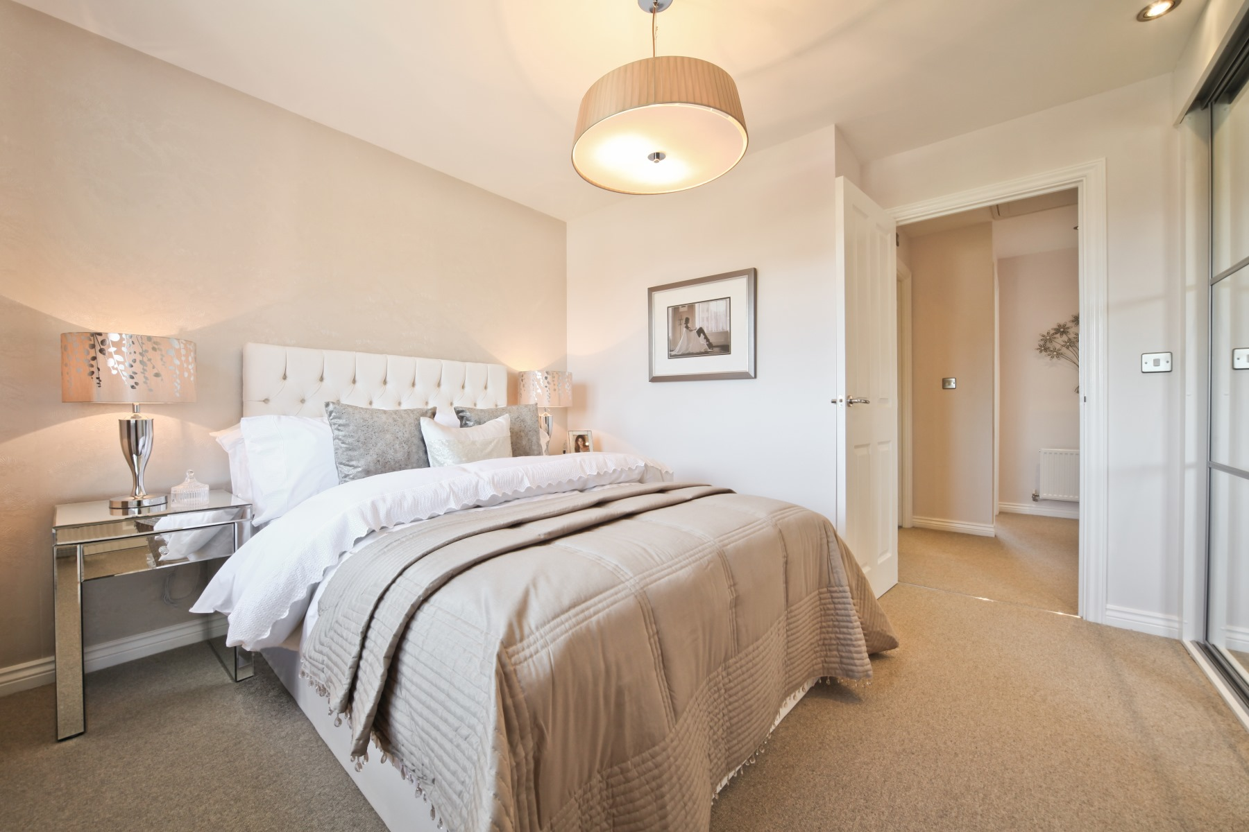 Gosford Master Bedroom - Nightingale Gardens