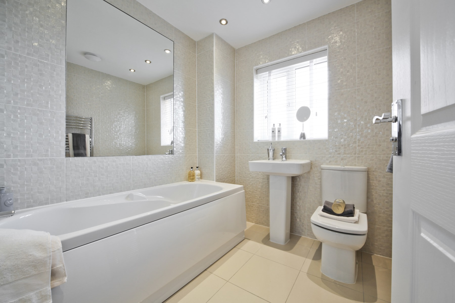 Knutsford Bathroom - Nightingale Gardens