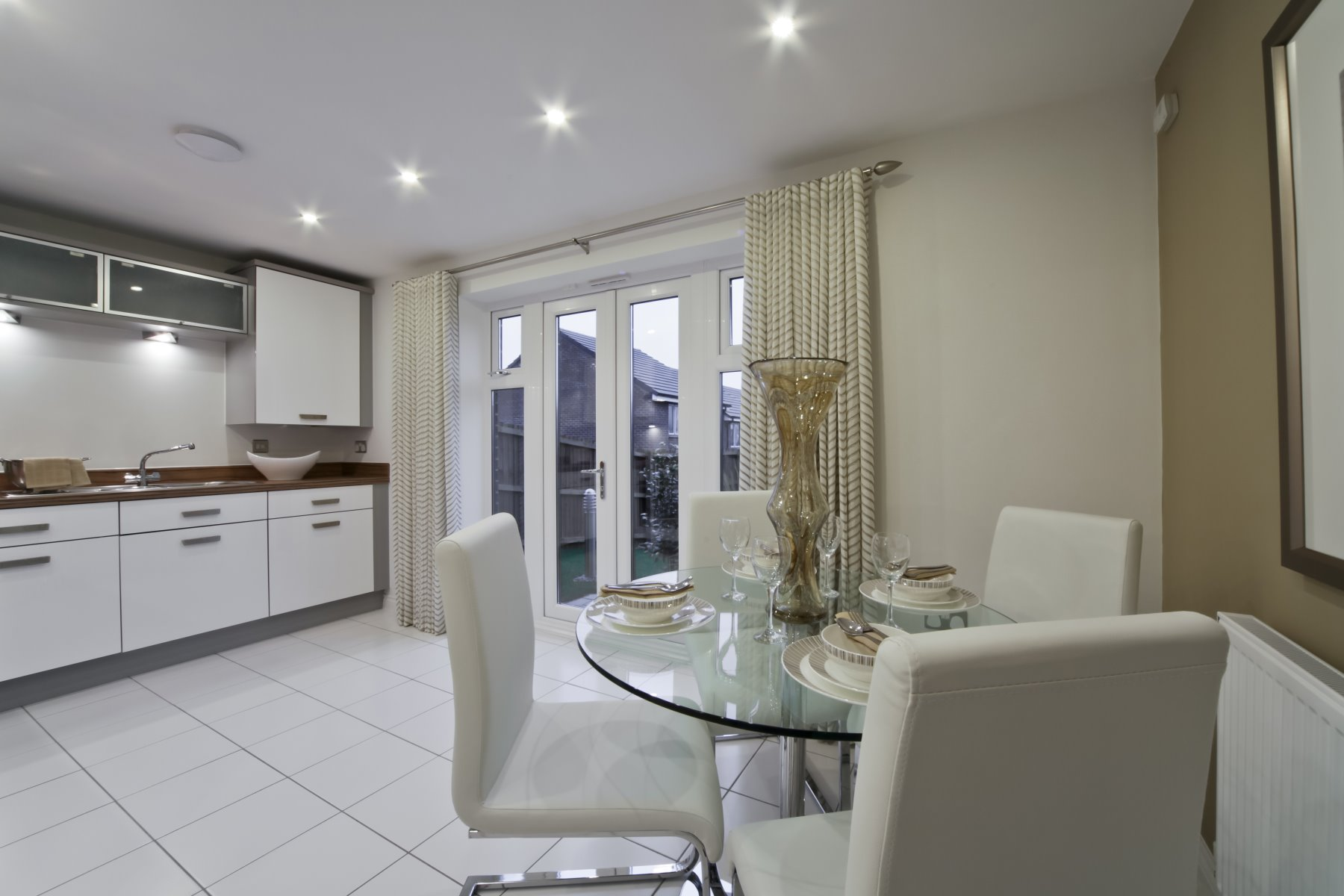 Earlsford Showhome Kitchen/Dining Area - Sandbrook View