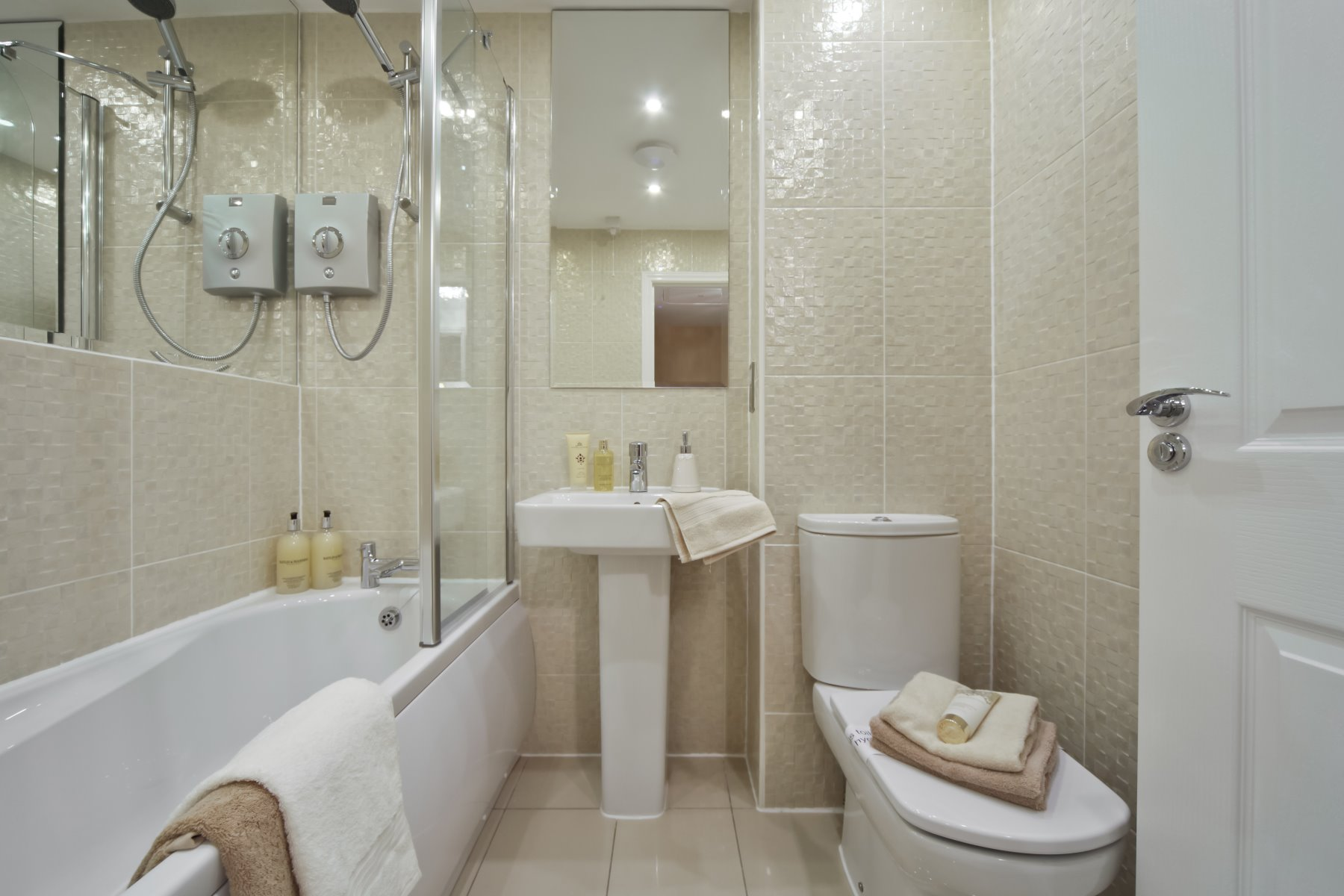 Earlsford Showhome Bathroom - Sandbrook View