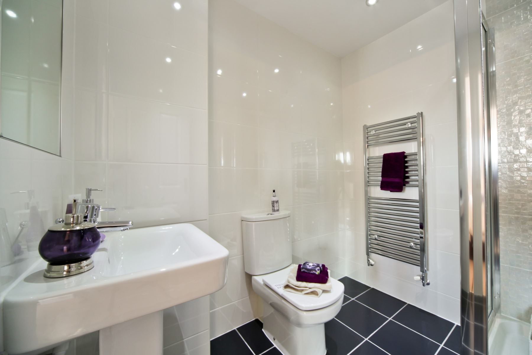 Cheshire Showhome ensuite to Master Bedroom