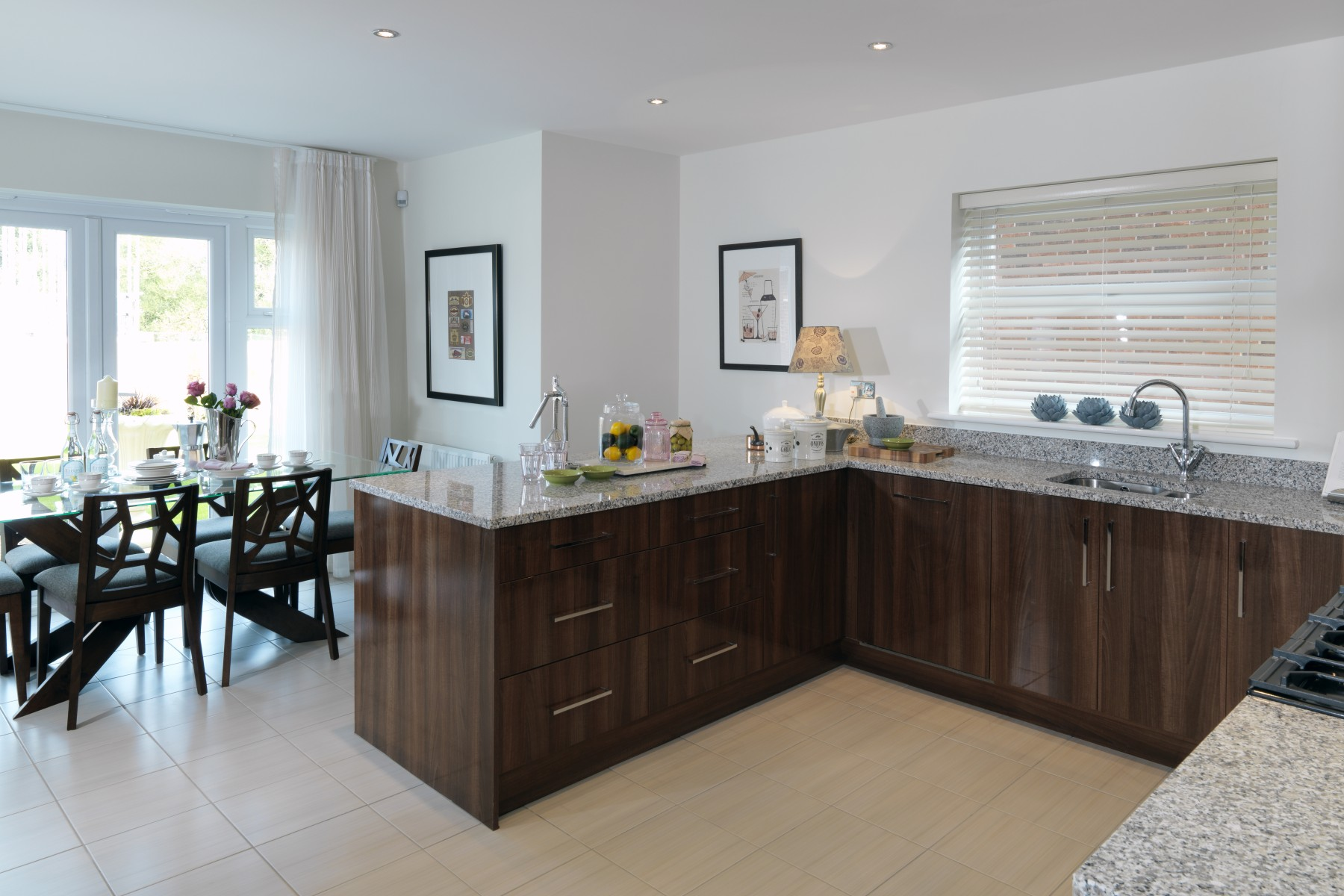 Open plan kitchen with breakfast area