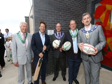 WEB - Great Western Park - Sports Pavilion Handover - Local Councillors