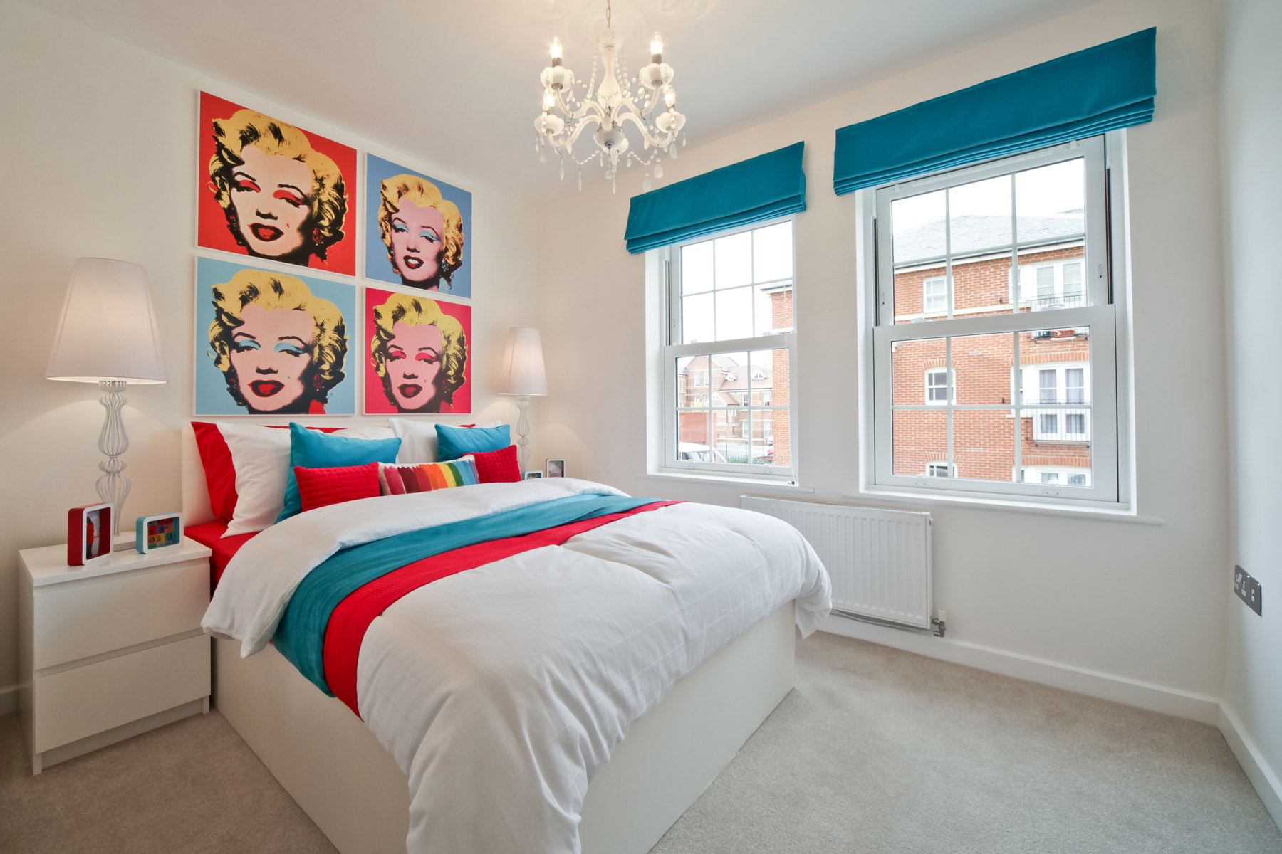 Typical Taylor Wimpey apartment bedroom.