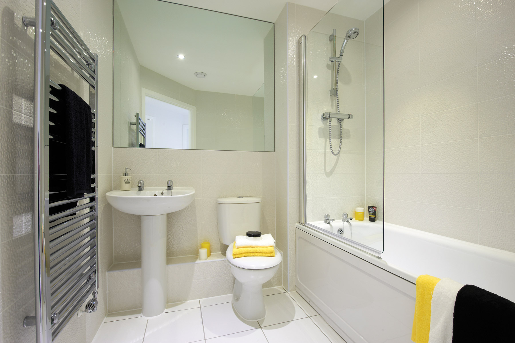 A typical Taylor Wimpey apartment bathroom