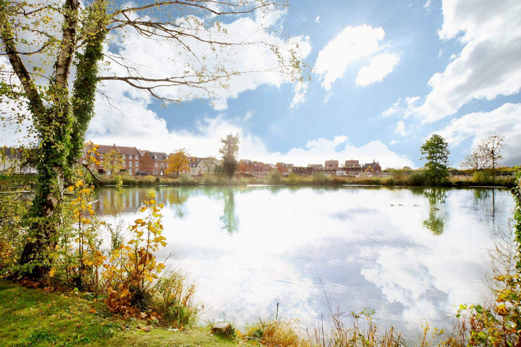 Photo of the lake area within the Parklands development