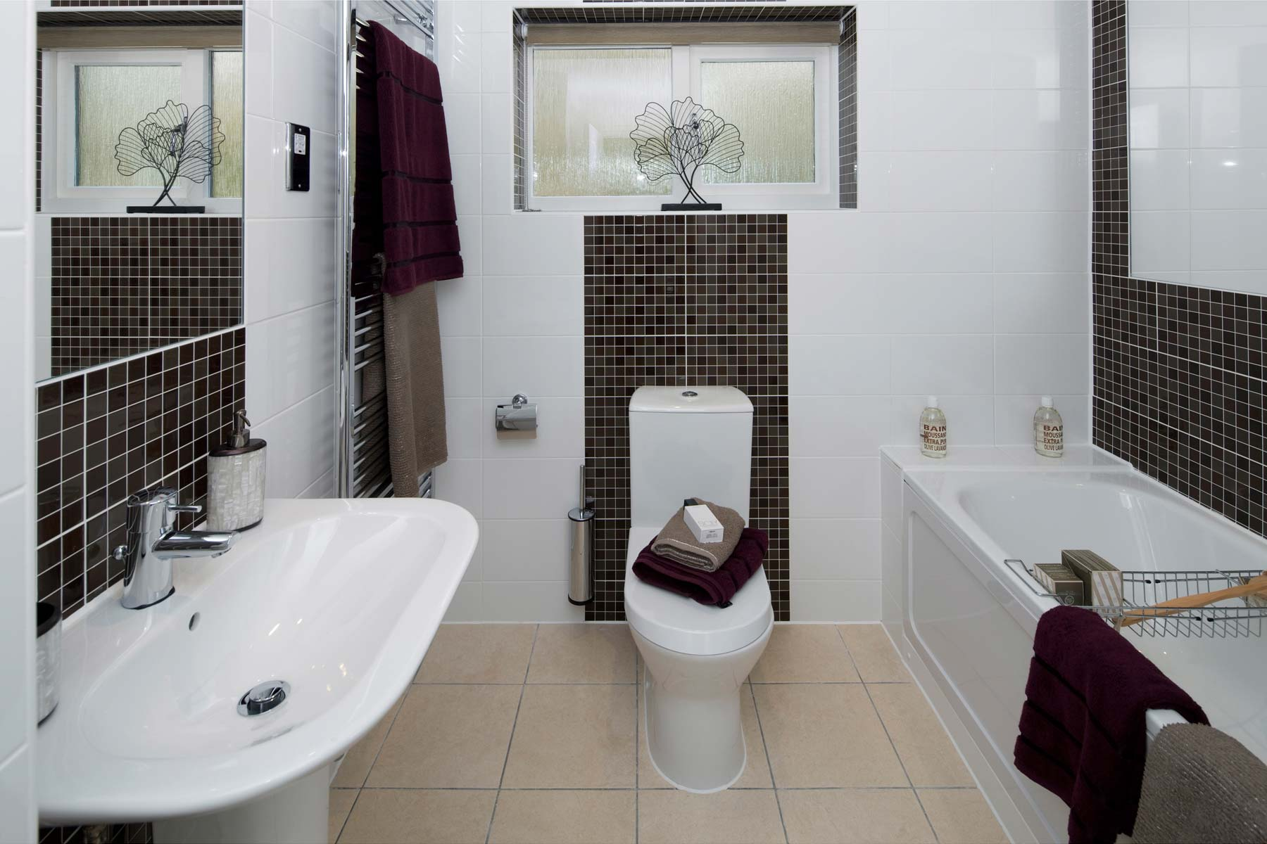 A Typical Taylor Wimpey Showhome Bathroom Leybourne (3)